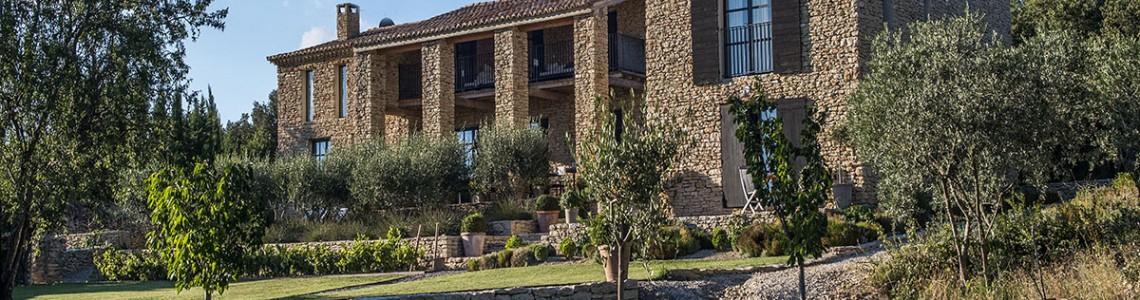O casă din piatră în Provence